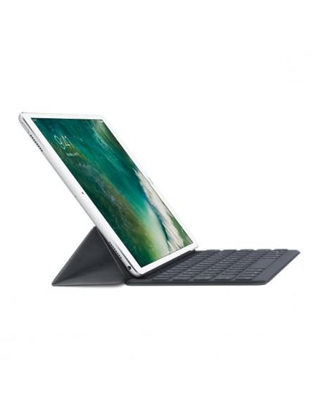 apple-smart-black-connector-swedish-5.jpg